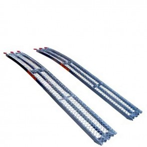 Pair bent aluminium ramps, high quality, anti slip profile. L: 226cm, w: 30 cm. Max cap: 680kg/pair.