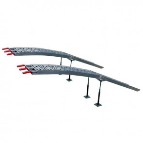 Pair bent foldable ramps in high quality aluminium. L: 228 cm, w: 28,5 cm. Comes with 4 adjustable feet. Max cap: 910 kg/pair.