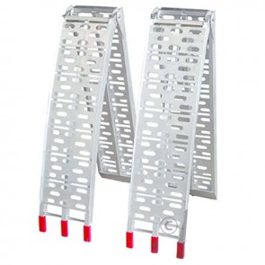 Pair foldable aluminium ramps. Length 225 cm, width 29 cm. Capacity 600/kg/pair. The perforated plates provide extra grip.