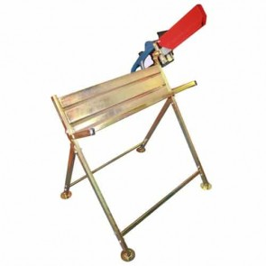 Sawhorse OZAKI with chainsaw holder. Saw can be fitted at 2 sides (saw not included). L : 92 cm - H : 86 cm