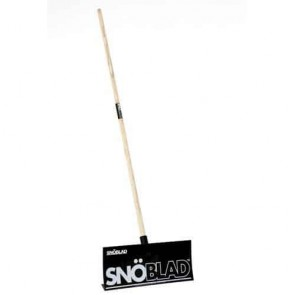 Snowshovel in PP - HIGH QUALITY - Ideal for pushing snow, leaves or water together - Dimensions blade: 498 x 205 mm - Total length: 168 cm.